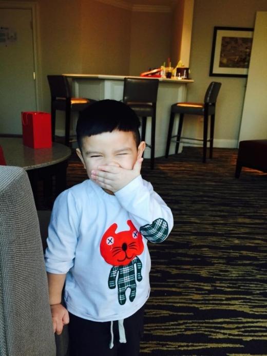 Quỳnh Chi tự trét bánh kem mừng sinh nhật con trai từ xa - Tin sao Viet - Tin tuc sao Viet - Scandal sao Viet - Tin tuc cua Sao - Tin cua Sao