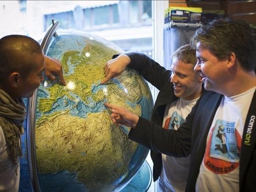 Gunnar đã phá kỉ lục thế giới bằng việc du lịch qua 19 nước châu Âu trong vòng 24 giờ.