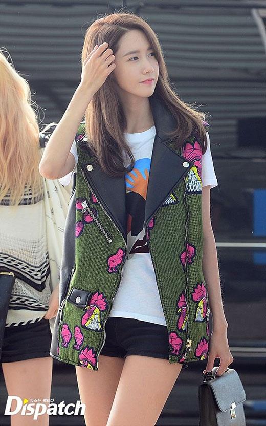 Lee Seung Gi và Yoona cùng xuất hiện tại sân bay khiến fan phấn khích