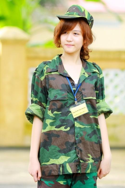 Ngơ ngẩn trước những nàng hot teen Việt xinh đẹp trong bộ quân phục