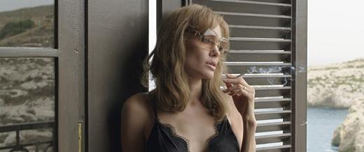 Angelina Jolie thừa nhận không dễ để làm việc cùng Brad Pitt