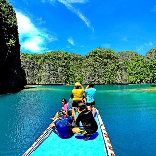 Dù khó tiếp cận do các đảo nằm khá xa đất liền nhưng số du khách thế giới tìm đến thiên đường hạ giới Raja Ampat đang tăng mạnh mỗi năm.