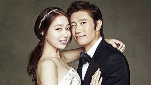 Lee Min Jung và Lee Byung Hun kết hôn vào tháng 8/2013, họ đã cùng nhau vượt qua khoảng thời gian khó khăn bởi scandal tình cảm của Lee Byung Hun. Vào tháng 1/2015, cặp vợ chồng hạnh phúc thông báo rằng họ chuẩn bị chào đón thành viên mới của gia đình và em bé đã chào đời vào cuối tháng 3 vừa qua.
