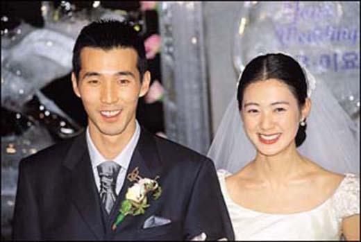 Vào ngày 17/05, Lee Yoo Won đã hạ sinh đứa con thứ ba là một cậu bé trai kháu khỉnh. Hai con đầu của Lee Yo Won đều là những nàng công chúa vì thế nữ diễn viên cảm thấy rất hạnh phúc với cậu quý tử này. Vào năm 2003, khi còn ở đỉnh cao của sự nghiệp,Lee Yo Won khiến người hâm mộ bất ngờ khi tuyên bố kết hôn cùng vận động viên gôn chuyên nghiệp, đồng thời là một nhà kinh doanh tài ba Park Jin Woo.