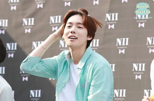 """Dù năm nay đã bước sang tuổi 24 nhưng Jinwoo (Winner) khiến nhiều người không khỏi ganh tị bởi vẻ ngoài """"không tuổi"""" của mình."""