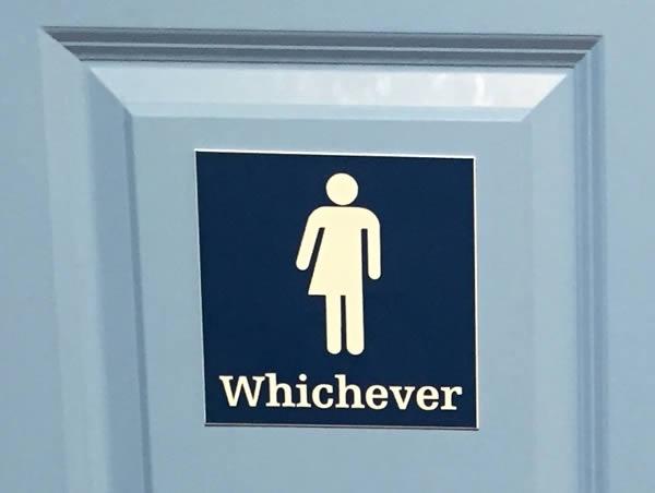Nhà vệ sinh ai-dùng-cũng-được.