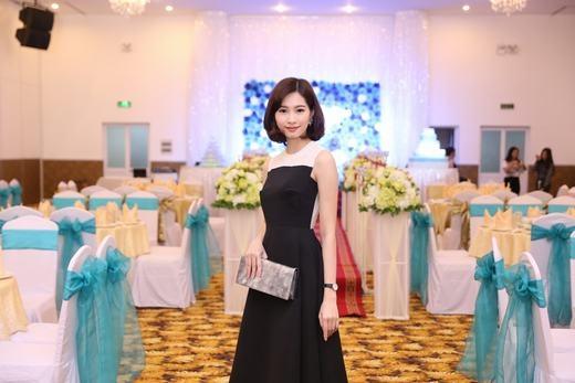 Hoa hậu Thu Thảo trổ tài nữ công gia chánh - Tin sao Viet - Tin tuc sao Viet - Scandal sao Viet - Tin tuc cua Sao - Tin cua Sao