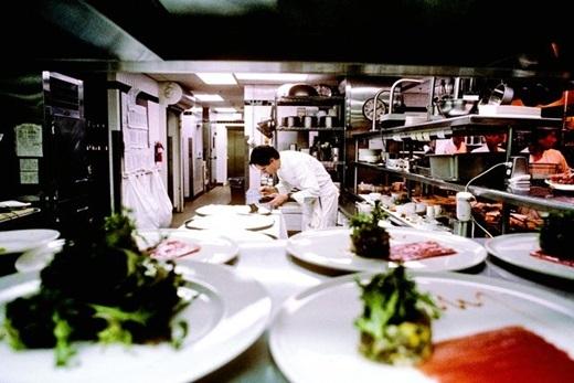 Brad Bird – biên kịch kiêm đạo diễn của Ratatouille-đã đến làm việc tại chuỗi nhà hàng của bếp trưởng nổi tiếng Thomas Keller ở thung lũng Napa để có những trải nghiệm ẩm thực thực tế nhất cho bộ phim của mình.