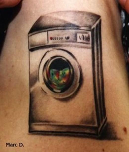 Theo bạn thì xăm chiếc máy giặt lên người có ý nghĩa gì?