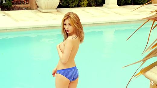 HyunA khiến fan nổ mắt với loạt ảnh khoe thân nóng bỏng