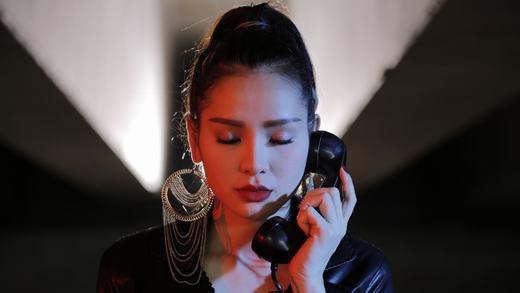 Rũ bỏ hình ảnh sến sẩm, Phương Trinh Jolie lột xác siêu quyến rũ - Tin sao Viet - Tin tuc sao Viet - Scandal sao Viet - Tin tuc cua Sao - Tin cua Sao