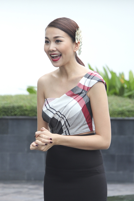 Học hỏi cách phối trang phục cực khéo của Thanh Hằng