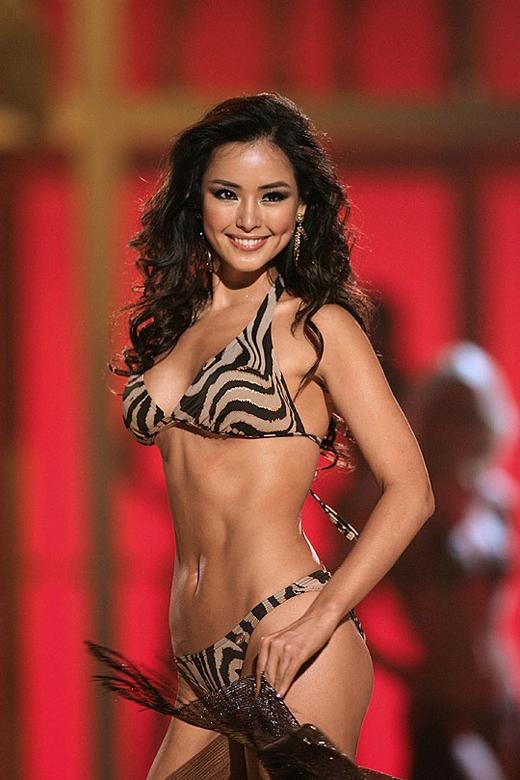 Hoa hậu Hoàn vũ 2007 Honey Lee sở hữu thân hình đẹp và được xếp thứ 4 trong danh sách.