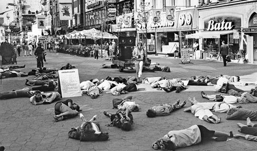 Theo ước tính, 140.000 người dânHiroshimađã chết bởi vụ nổ cũng như bởi hậu quả của nó.