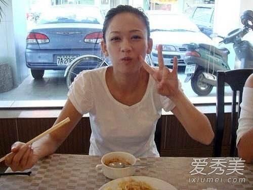 Trần Kiều Ân khá thu hút với gương mặt mộc, biểu cảm trên khuôn mặt của cô cũng đa dạng hơn.