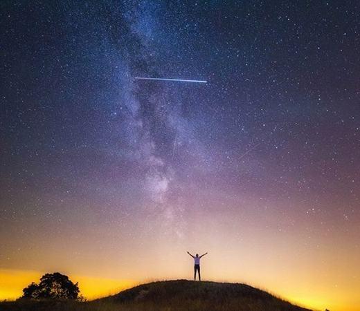 Một hình ảnh về sao băng được chụp bởiAlbert Dros – một nhiếp ảnh gia thiên văn.