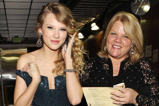 Taylor Swift và những sáng tác dành cho các cô bạn