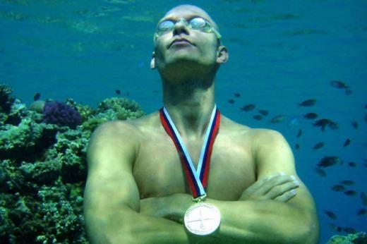 Stig Severinsen là người nhịn thở lâu nhất thế giới với thời gian 22 phút. Thế nhưng, danh hiệu ông trùm nhịn thở lại thuộc về loài gián với thời gian lên đến 40 phút.