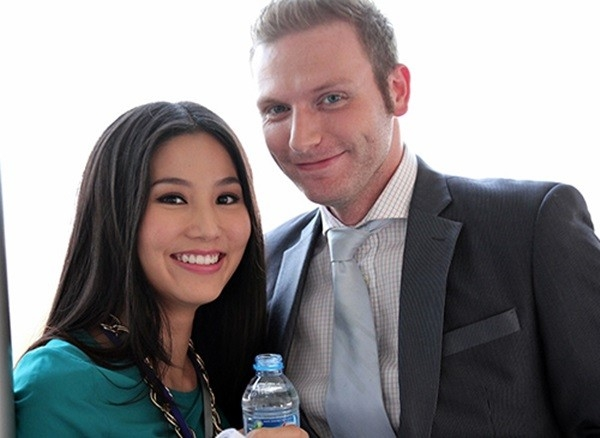 Trong bộ phim được coi là phiên bản Việt của Sex and the city, Kyo York vào vai Frank - Tổng Giám đốc khu vực châu Á của công ty truyền thông SHE. - Tin sao Viet - Tin tuc sao Viet - Scandal sao Viet - Tin tuc cua Sao - Tin cua Sao