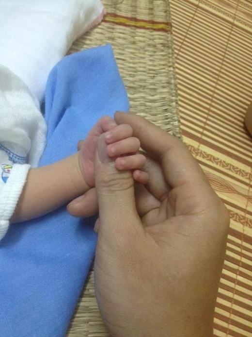 Không có bản năng làm mẹ nhưng sẽ làm tất cả cho con, quyết tâm để con lớn lên bằng dòng sữa mẹ.