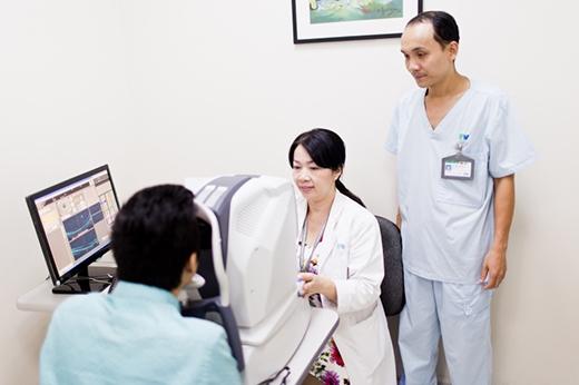 Phương pháp trị cận thị nặng an toàn cho người... nhát gan