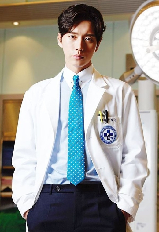 Điểm danh những bác sĩ vạn người mê trên màn ảnh Hàn