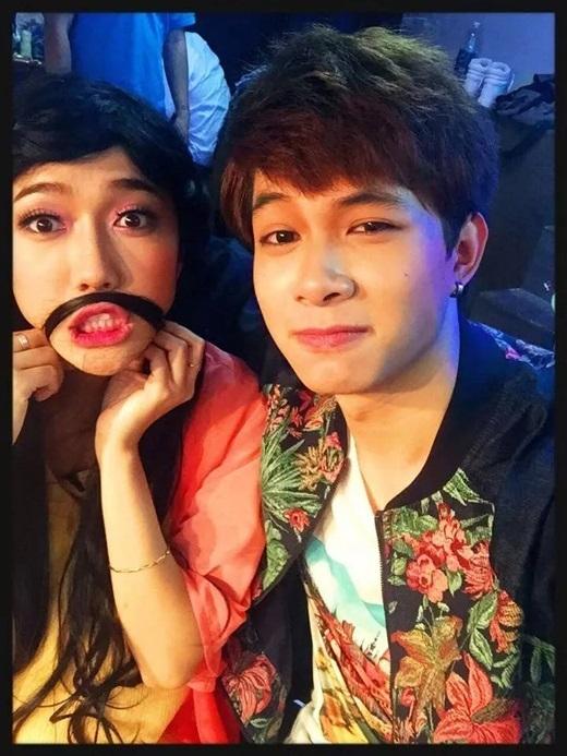 Bộ đôi còn gắn bó với nhau trên sân khấu kịch khi cùng góp mặt trong những vở kịch rất được yêu thích như Chuyện tình Bangkok,Mĩnam đại chiến,....