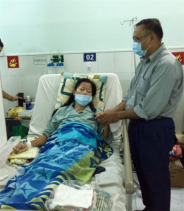 Con gái nuôi Hoài Linh mạnh mẽ chiến đấu với lưỡi dao tử thần