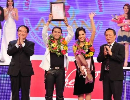 Thu Minh giành chiến thắng thuyết phục tại cuộc thiLiên hoan giọng hát vàng ASEAN. - Tin sao Viet - Tin tuc sao Viet - Scandal sao Viet - Tin tuc cua Sao - Tin cua Sao
