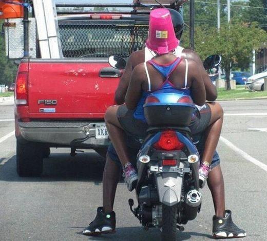 Những chiếc mũ bảo hiểm khiến bạn bá đạo hơn khi đội ra đường