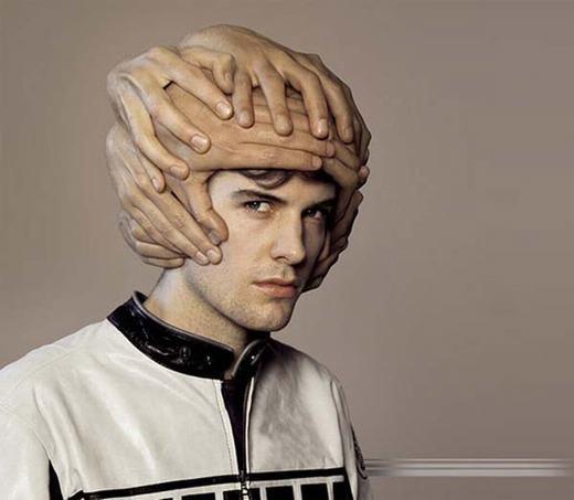 Bạn có thấy chiếc mũ này kinh dị không?