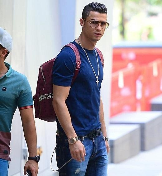 Lộ bằng chứng Ronaldo gạ tình người mẫu mới 16 tuổi