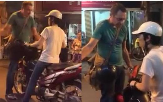 Chàng trai người nước ngoài chặn đầu xe cô gái lại ngay trên phố đi bộ