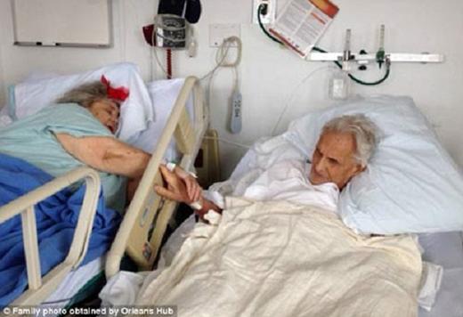 Ông Ed Hale đã đến tận phòng bệnh của vợ mình để nắm chặt tay bà trong những phút cuối đời. Sau đó 36 tiếng, ông cũng ra đi.