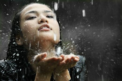 """Trắc nghiệm """"cơn mưa ngang qua"""" nói gì về bạn?"""