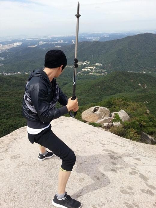 Không những khiến các fan ganh tị mà đôi chân của Jaejoong còn được nhiều người công nhận. Trước đây, anh từng lọt vào top 3 mĩ nam sở hữu đôi chân đẹp nhất làng nhạc xứ Hàn.