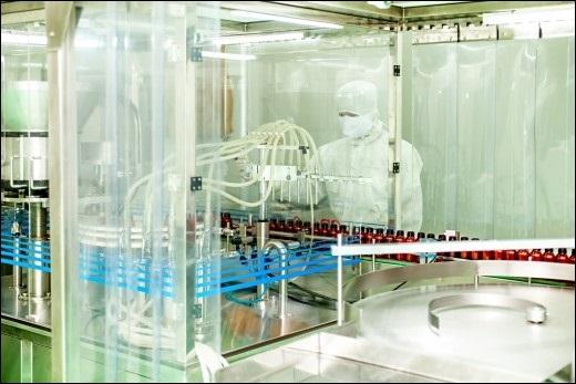 Dây chuyền sản xuất hiện đại tại nhà máy Hoa Thiên Phú Bình Dương.