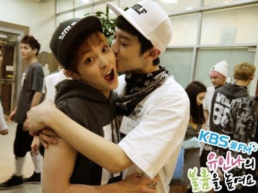 """""""Phát sốt"""" với những nụ hôn đồng giới của mĩ nam xứ Hàn"""