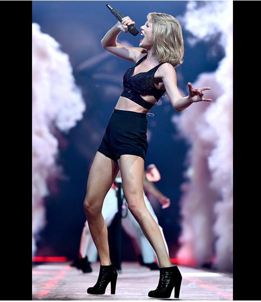Học lóm tuyệt chiêu diện đồ khoe eo thon, chân dài của Taylor Swift