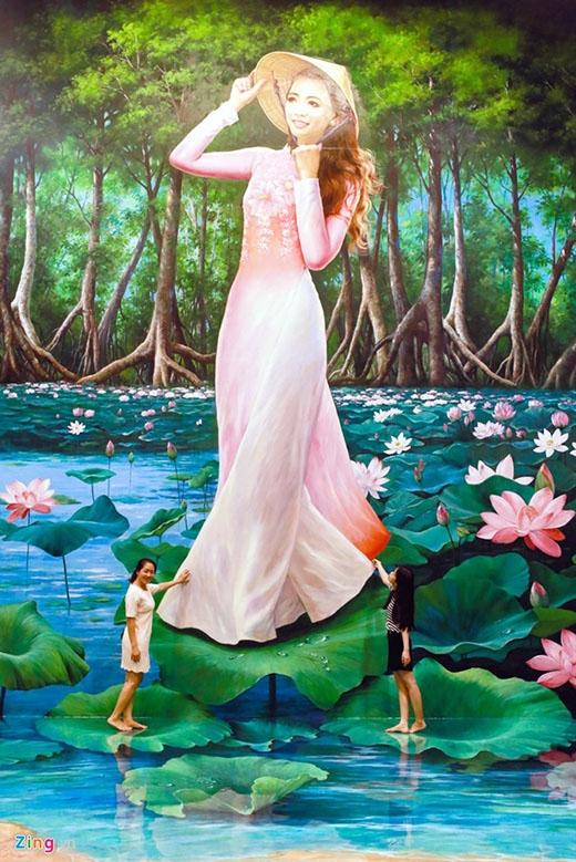 Ở khu vực mang tên Việt Nam, hình ảnh thiếu nữ trong tà áo dài truyền thống cao 8m thu hút nhiều bạn trẻ tham quan.