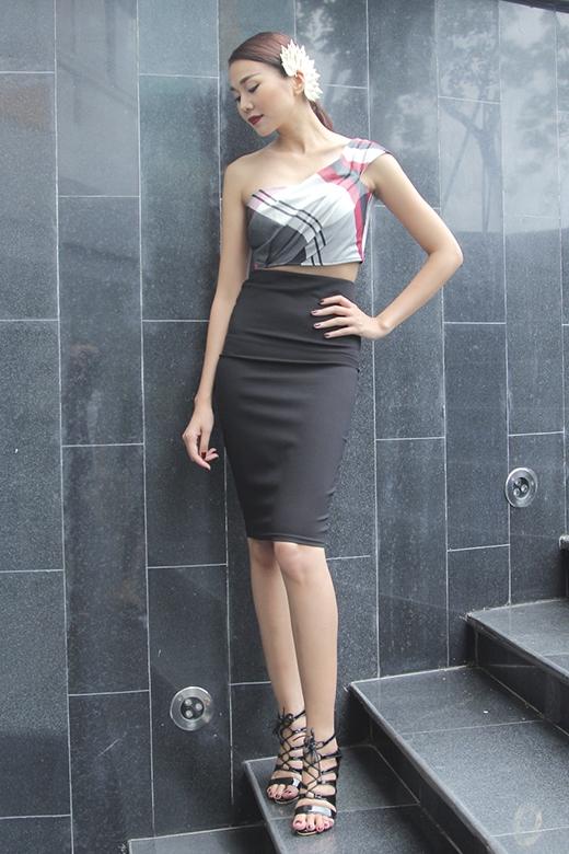 Thời trang ghế nóng chuẩn từng centimet của Thanh Hằng