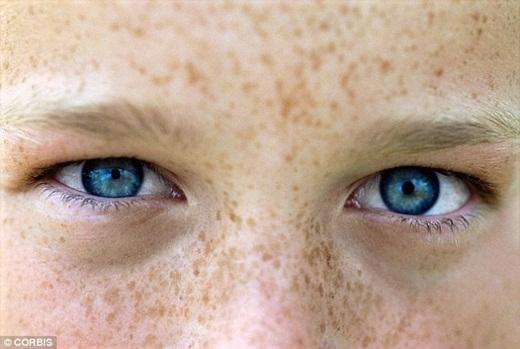 Quái vật ẩn nấp trong đôi mắt con người?