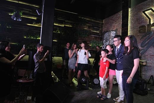 Tom boy Vũ Cát Tường cực thân thiện với fan Hà Nội - Tin sao Viet - Tin tuc sao Viet - Scandal sao Viet - Tin tuc cua Sao - Tin cua Sao
