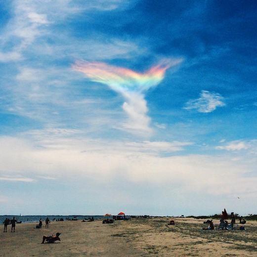 """Phát sốt với cầu vồng """"đôi cánh thiên thần"""" xuất hiện trên bầu trời"""