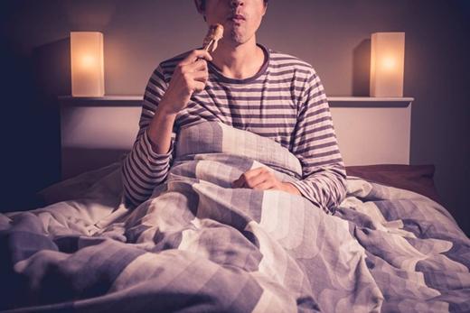 7 tật xấu trước khi ngủ cần tránh xa tuyệt đối