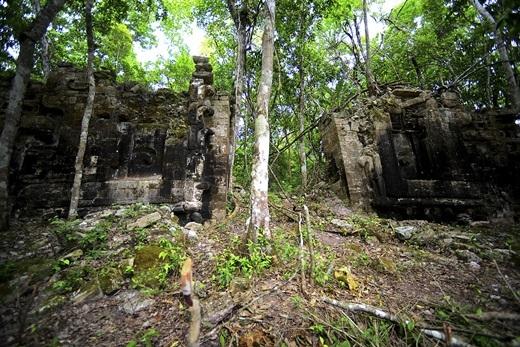 Hàng thế kỉ qua,Lagunitanằm ẩn giấu trong rừng rậm tại bangCampeche, bán đảoYucatan.