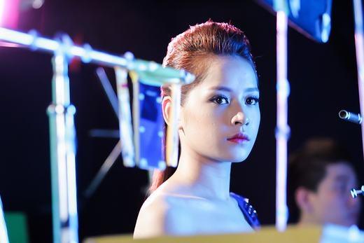 Chán làm hot girl, Chi Pu biến hình thành người ngoài hành tinh - Tin sao Viet - Tin tuc sao Viet - Scandal sao Viet - Tin tuc cua Sao - Tin cua Sao