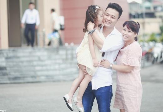 Khoảnh khắc hạnh phúc của gia đình Hồng Đăng. - Tin sao Viet - Tin tuc sao Viet - Scandal sao Viet - Tin tuc cua Sao - Tin cua Sao