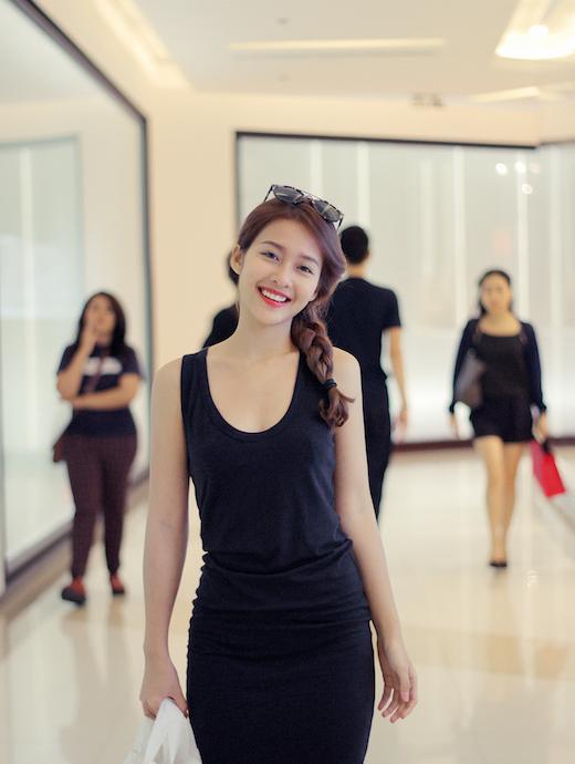 Khả Ngân khiến cộng đồng mạng Thái Lan phát cuồng khi lên sóng