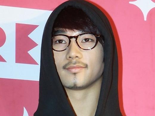 Chòm râu dê của G.O (MBLAQ) khiến người hâm mộ phải bật cười.
